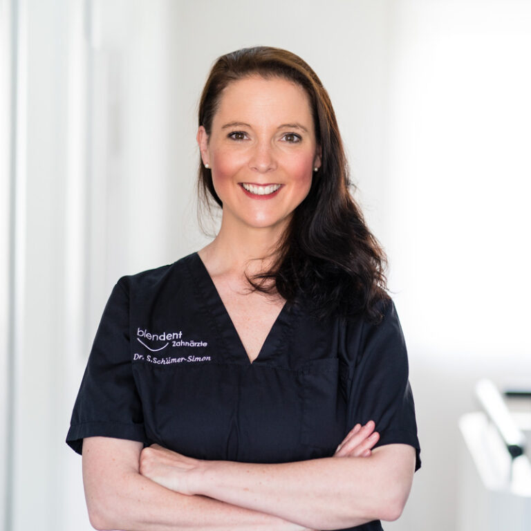 Dr. Sandra Schümer-Simon Blendent Zahnärztin Paderborn